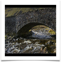 GREY MARES TAIL BRIDGE 1600 X 1200 - Des Hawley